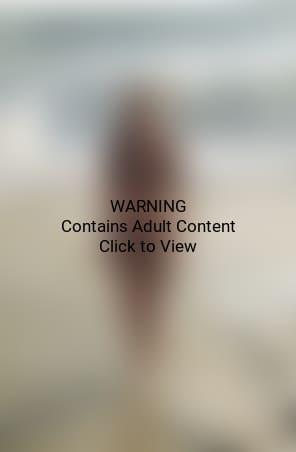 Dylan Penn Leaked Nude Photos 20