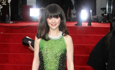 Zooey Deschanel Pic