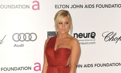 Ashley Tisdale: Pretty for Puerco Espin