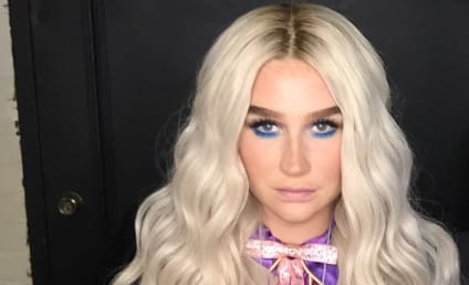 Kesha Bares Her Glittery Butt on Stage!