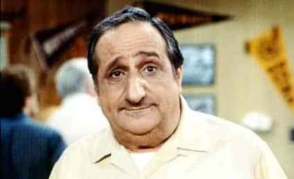 Al Molinaro Dies; Former Happy Days Star was 96