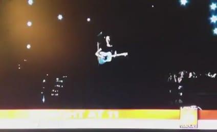 Coldplay, Rihanna Perform at Grammy Awards