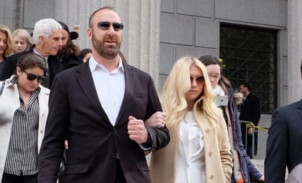 Kesha Sobs After Devastating Court Ruling, Stars Tweet Support