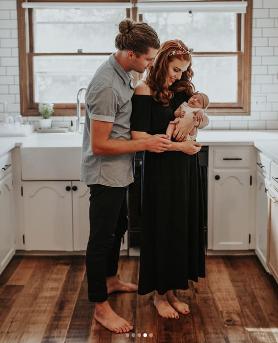 Barefoot Pregnant And In The Kitchen: Audrey Roloff Shares New Ember Jean Photos, Internet