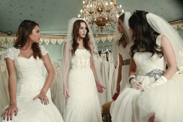 Pretty Little Liars in White