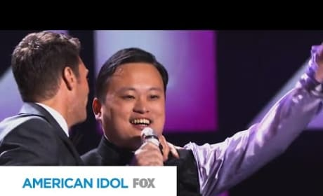 "William Hung ""Bangs"" Out on American Idol Stage Again!"