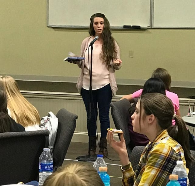 Jill duggar wearing pants in a school