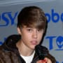 Justin Bieber Taunts Mariah Yeater via Twitter, Borat
