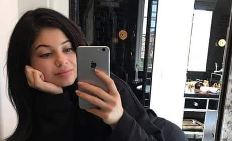 13 Photos of Kylie Jenner Looking Gorgeous Without Makeup!