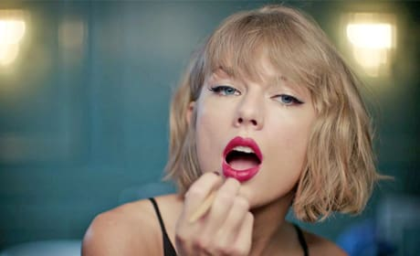 Taylor Swift Apple Commercial: Awesome Mic Drop Alert!