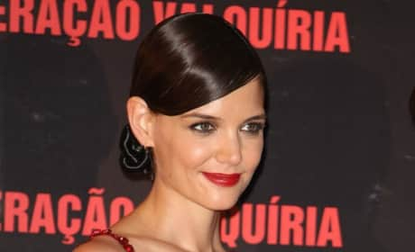 Katie Holmes: Real or Wax?!