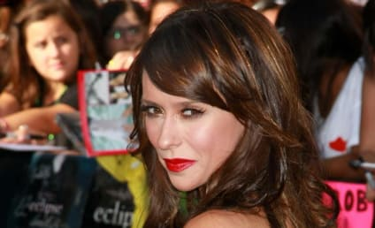 Jennifer Love Hewitt Sued by Former Manager