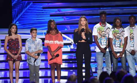 Teen Choice Awards Stop to Honor Victims of Gun Violence