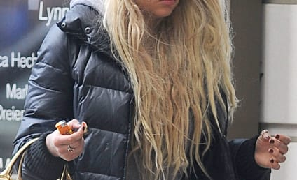 Amanda Bynes: Kicked Out of Nightclub After Fight With Paris Hilton!