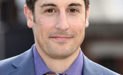 Jason Biggs: Anyone Wanna Buy My Malaysia Airlines Frequent Flier Miles?!