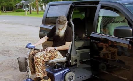 Duck Dynasty Clip - Si on a Scooter