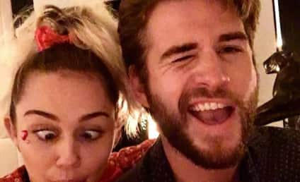 Miley Cyrus to Liam Hemsworth: I LOVE YOU!!!!!!!!!!