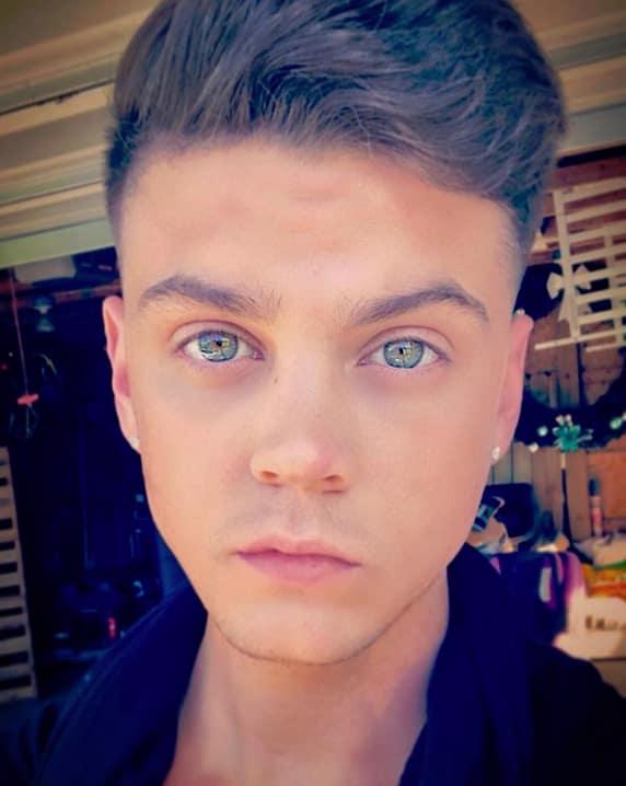Tyler baltierra instagram selfie
