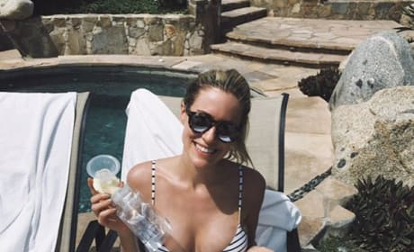 Kristin Cavallari pumps breast milk in bikini