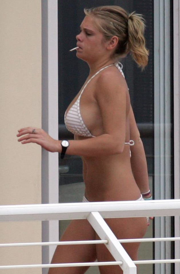 Chelsy Davy, Bikini