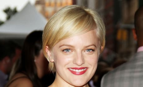 Which hair color do you like better on Elisabeth Moss?