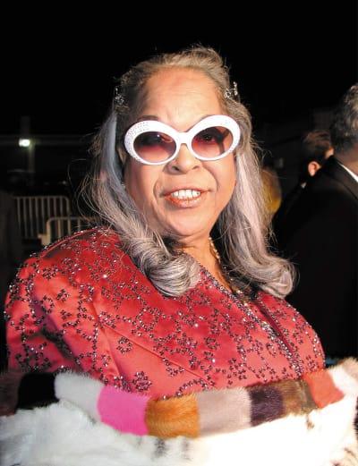 Della Reese in Glasses