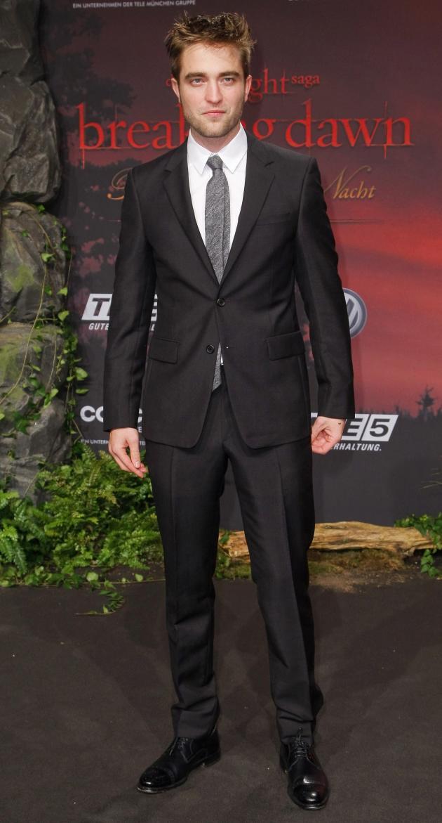 Robert Pattinson Red Carpet Pic
