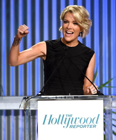 Megyn Kelly Makes a Gesture