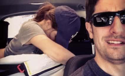 Jason Biggs Snaps Driving Selfie, Wife Breastfeeds in Backseat