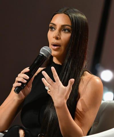 Kim Kardashian Girls Lounge Dinner 2015