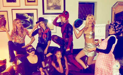 Taylor Swift Dresses as ACTUAL Deadpool for Halloween