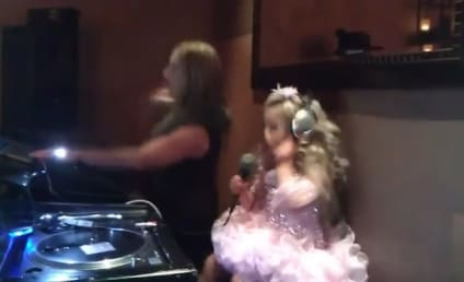 "Susanna Barrett, Awful Toddlers & Tiaras Mom, Sues Media For ""Oversexualizing"" Daughter"