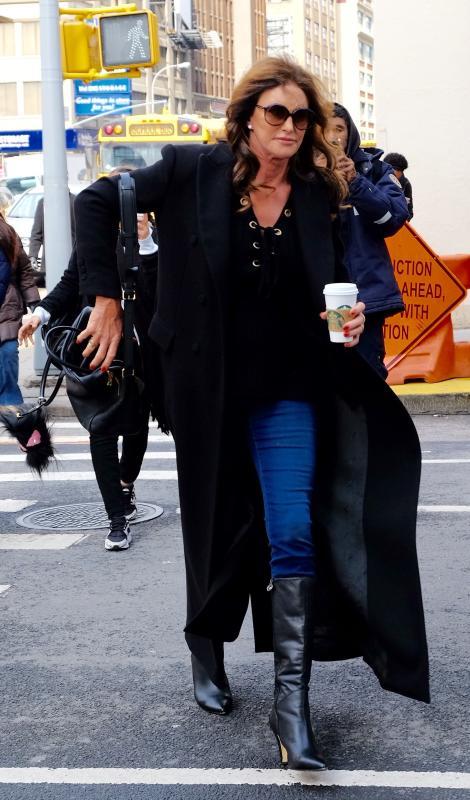 Caitlyn Jenner Grabs Starbucks in NYC