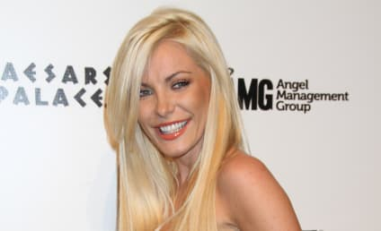 Crystal Harris to Auction Off Hugh Hefner Engagement Ring