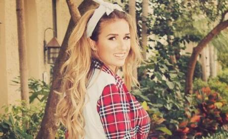 Jessie James Decker: Hot in Flannel