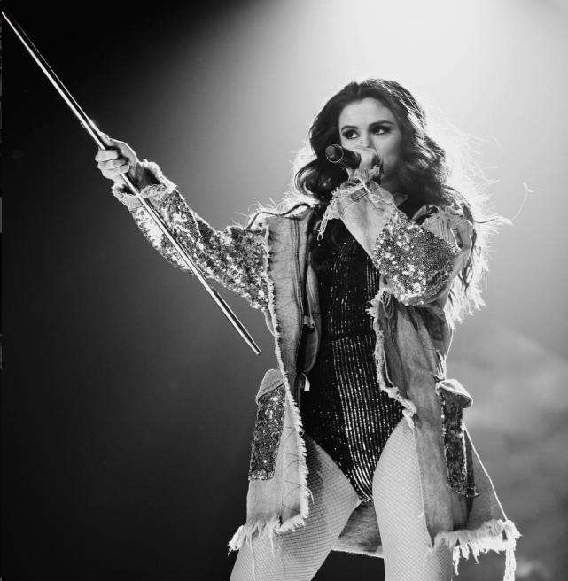 Selena Gomez Tour Photo