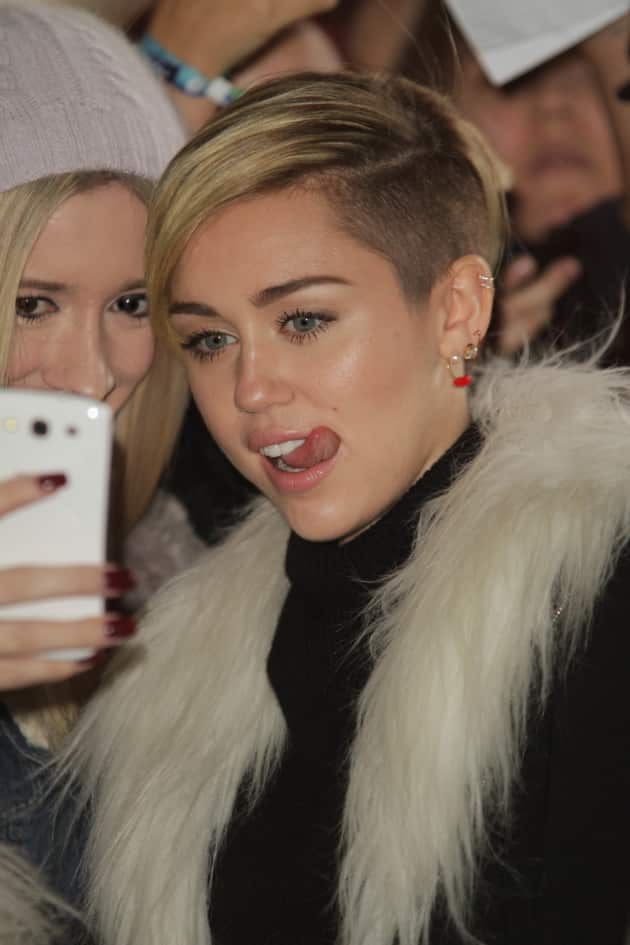 Miley Cyrus with a Fan