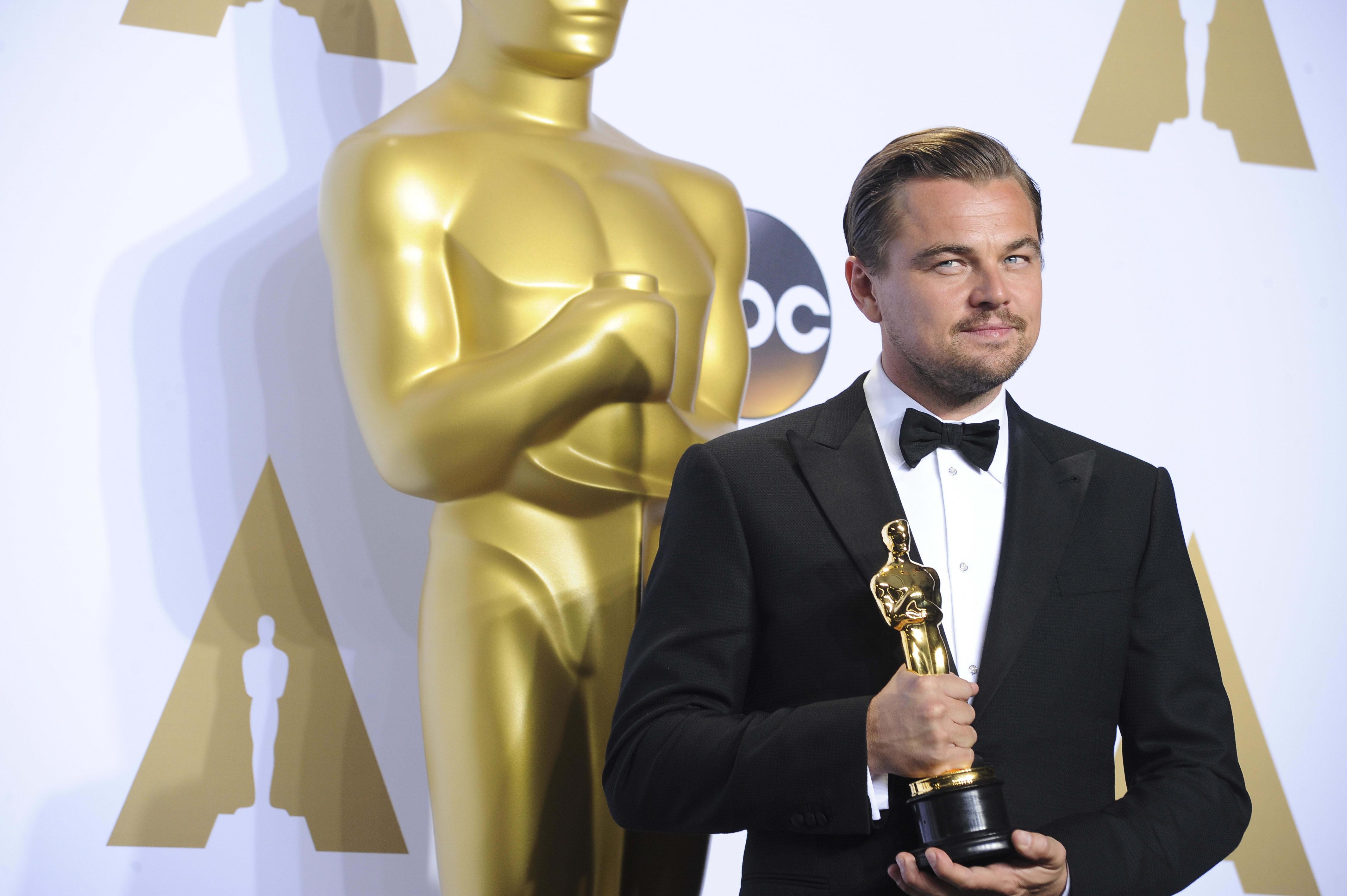 نتيجة بحث الصور عن Leonardo DiCaprio + Oscar