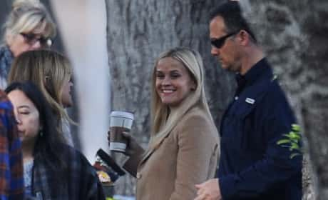 Reese Witherspoon Films 'Big Little Lies'