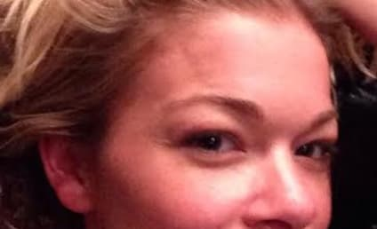 "LeAnn Rimes: Makeup Free ""For Charity"""