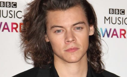 Harry Styles: Caught Cheating on Kendall Jenner?!