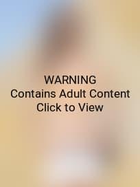 Karlie Kloss Bikini Pic