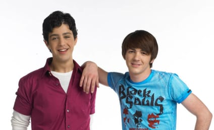 Drake Bell & Josh Peck End Feud at the VMAs: See The Picture!