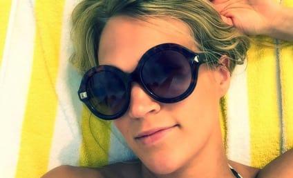 "Carrie Underwood Shares ""Lame"" Bikini Photo: See It Here!"