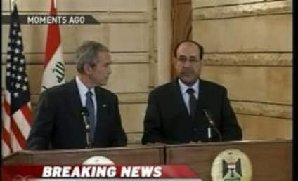 Iraqi Journalist Throws Shoes at George W. Bush