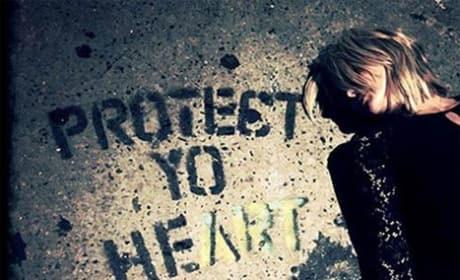 Miranda Lambert Sidewalk Message