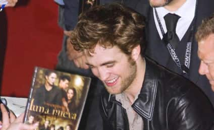 Robert Pattinson to Collaborate on an Album with Simon Cowell?!?