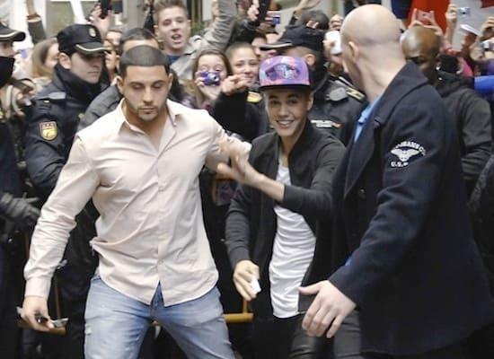 Justin Bieber Waves to Fans