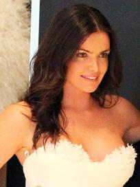Hot Courtney Robertson Picture