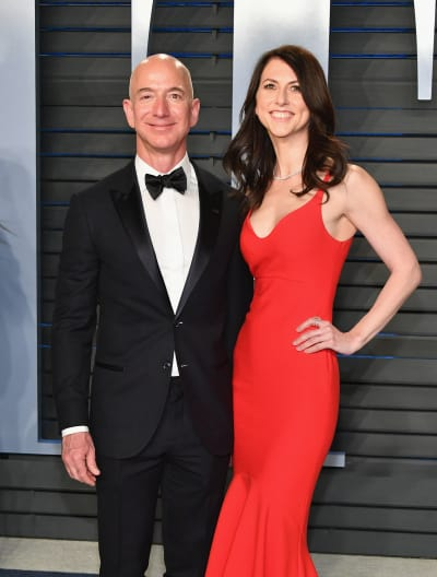 Jeff Bezos Amazon Ceo Announces Split From Wife Of 25 Years In